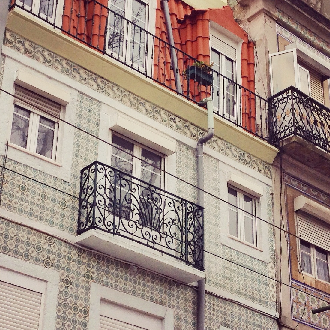 Lisbon by @youneedacocktail