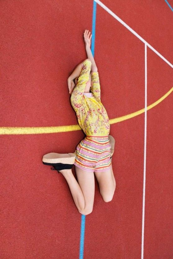 Carven campaign Spring Summer 2012 by photographer © Viviane Sassen